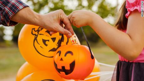 Is it safe to go trick-or-treating this Halloween? An expert weighs in