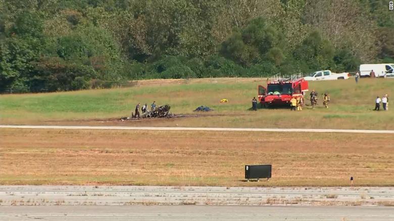 4 people are killed in a plane crash near Atlanta
