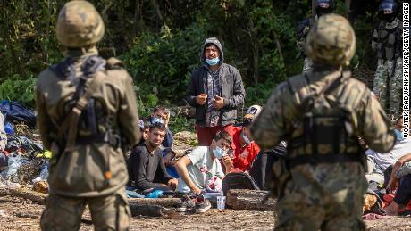 Rekordziści, którzy przekroczyli granicę między Polską a Białorusią, mówią urzędnicy