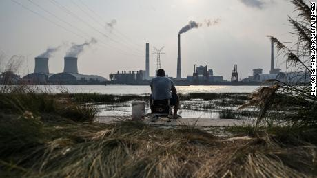 Chinese coal prices hit record high and power cuts continue