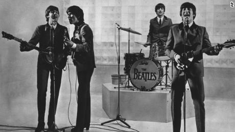 Пол Маккартни устанавливает рекорды в отношении того, кто действительно побил The Beatles