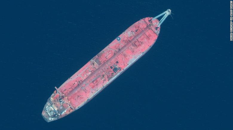 Decaying oil tanker off Yemen could disrupt clean water supply for 9 million people