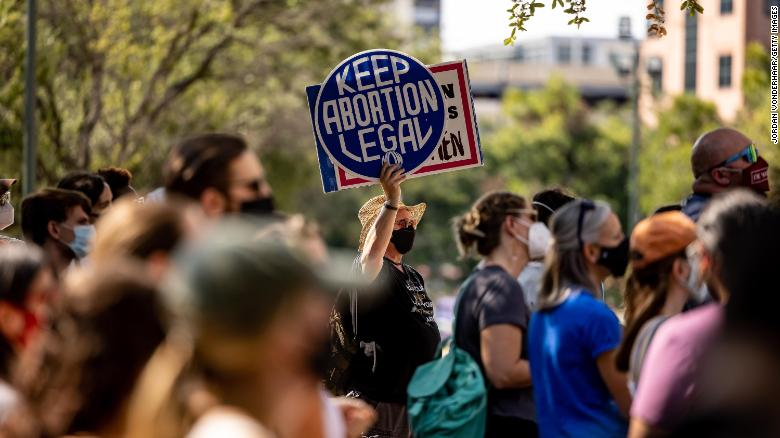 Texas abortion law to remain in force, federal appeals court says