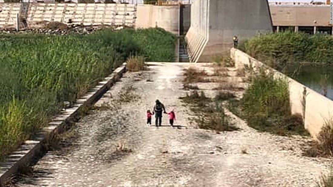 US Border Patrol found two young sisters wandering alone near the Arizona border
