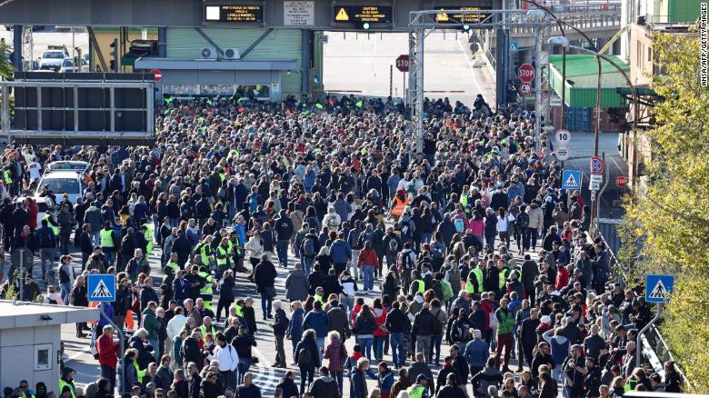 Protests as Italy's Covid pass becomes mandatory for workers
