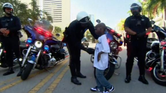 Image for 5-year-old Miami boy gets to be police chief for a day