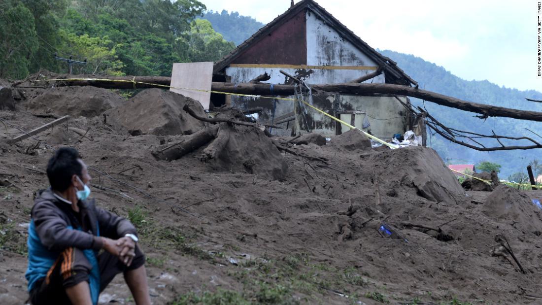 Bali earthquake kills at least 3 people