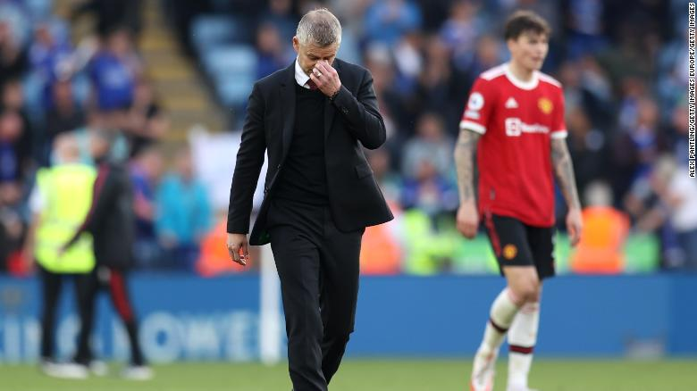 Pressure mounts on Ole Gunnar Solskjaer as Manchester United unbeaten away run ended by Leicester City
