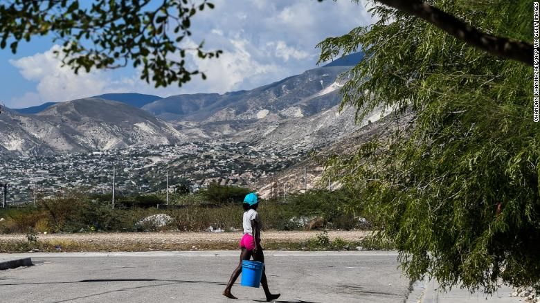17 American and Canadian missionaries kidnapped by gang members in Haiti