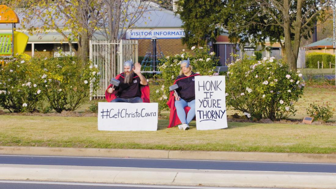 A small Australian town's attempt to lure Chris Hemsworth has gone viral. Here's how the actor responded