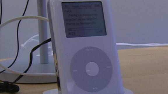 Image for In 2005, an iPod was sold every two seconds. See how CNN covered the phenomenon