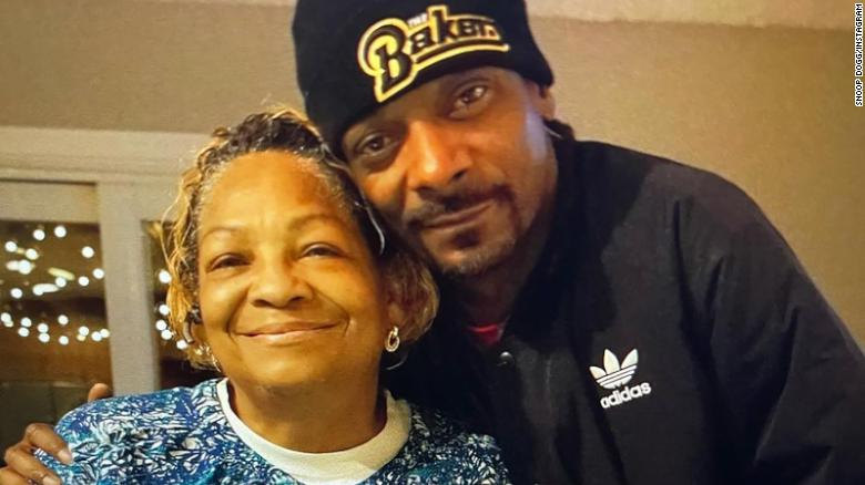 Snoop Dogg mourns his mother Beverly Tate