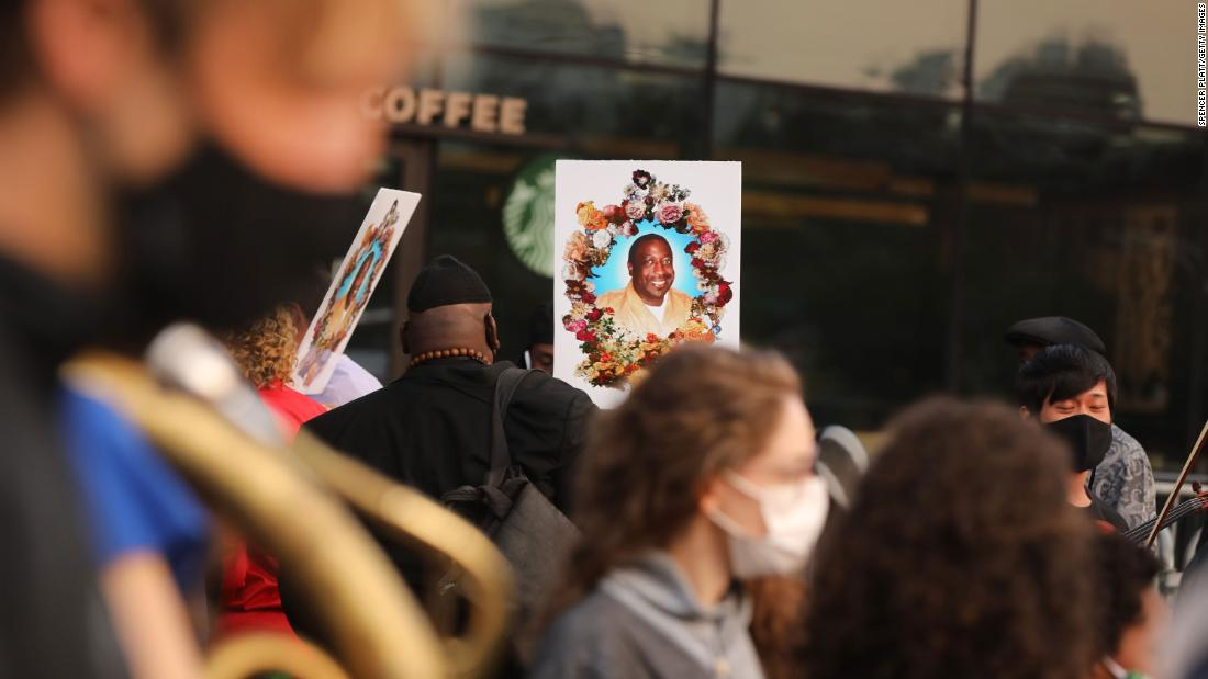 NYPD officers face questions about Eric Garner's death in rare judicial inquiry