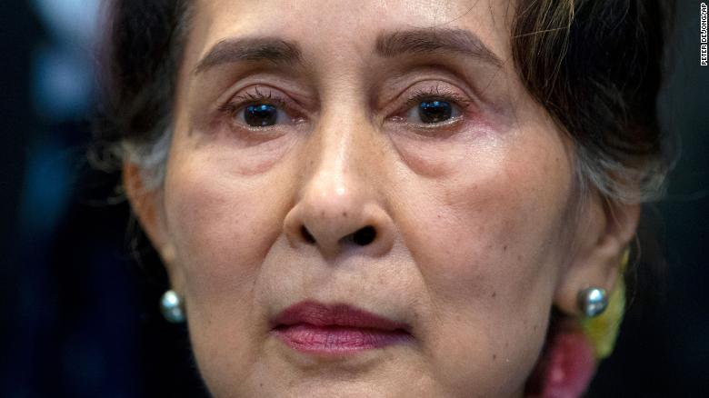 Myanmar's Aung San Suu Kyi testifies in court but a gag order prevents her defense from being made public
